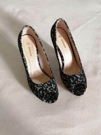 Sapatos peep toes rendados Seaside 38