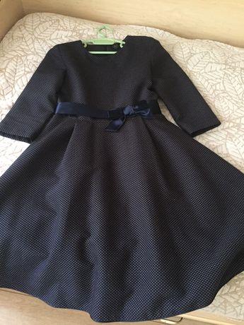 Платье для школы и для повседневной носки.