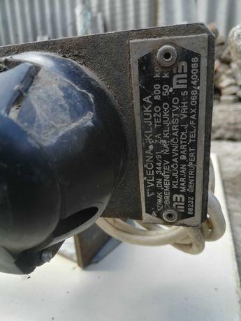 Заводской фаркоп к автомобилю Citroen  АХ