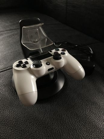 Łdowarka do padów ps4 Playstation 4 / Na 2 pady Podwójna