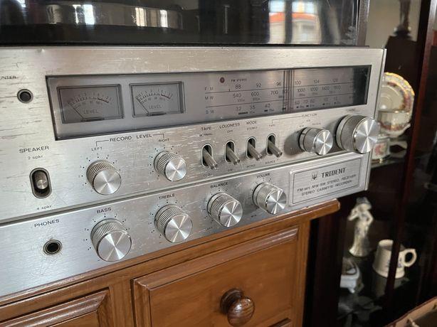 Gira discos Trident muito antigo a funcionar