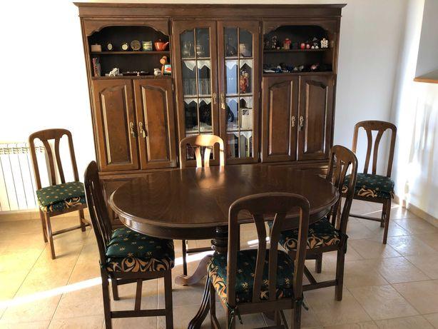 Mobília Sala de Jantar (móvel cristaleira, mesa e cadeiras)