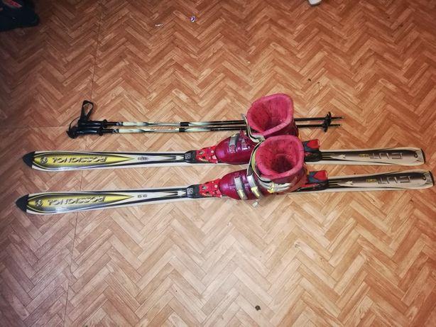 Narty i buty narciarskie