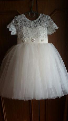 Продам новое платье на3-4 года. Цена 400