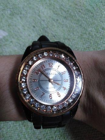 Годинник жіночий наручний