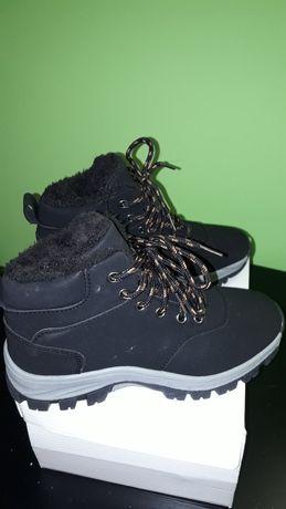 Nowe zimowe  buty dla chłopca rozmiar 36
