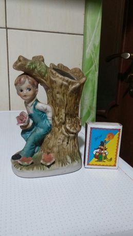 Статуэтка-ваза керамика Мальчик с розой.