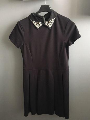 Sukienka z kołnierzykiem pensjonarka mohito czarna