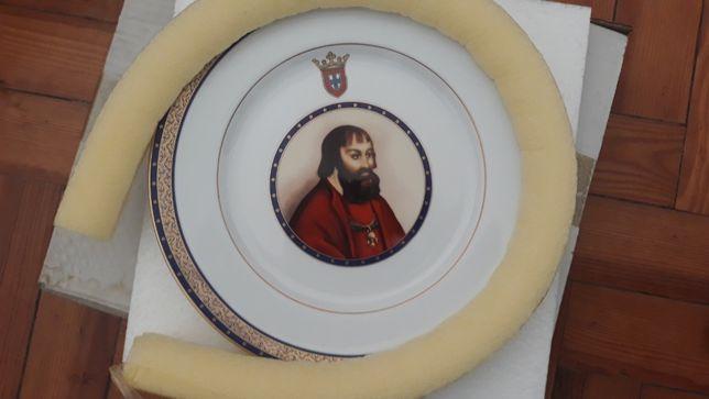 Prato Grande Porcelana das Índias - D. Manuel I - Descobertas