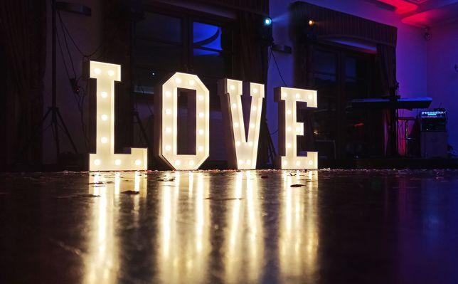 Napis dekoracyjny LOVE led