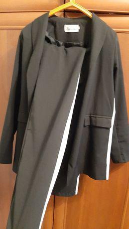 Черный модный костюм
