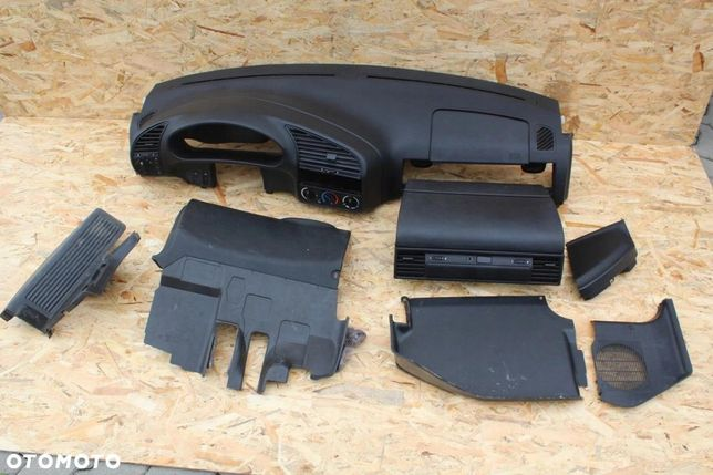 Deska rozdzielcza kokpit BMW e36 czarna LIFT