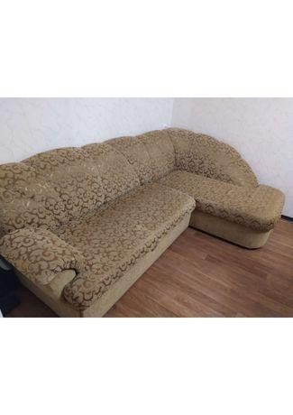 Продам угловой диван в гостиную (цена изменена!)