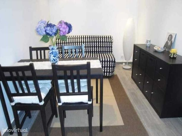 Apartamento T1 mobilado equipado em Alfama perto Sta Apolónia