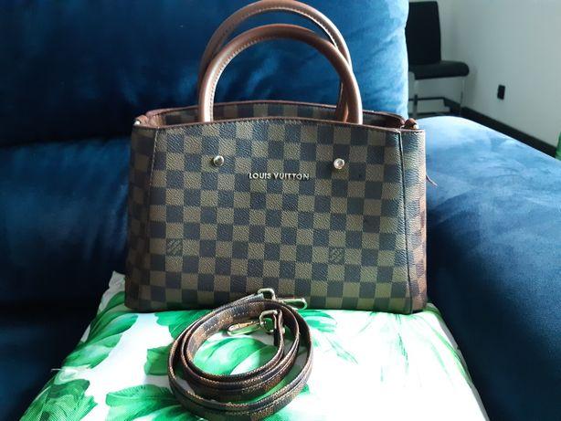 Nowa torebka kuferek