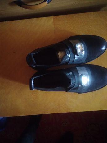 Туфли женские черные 37