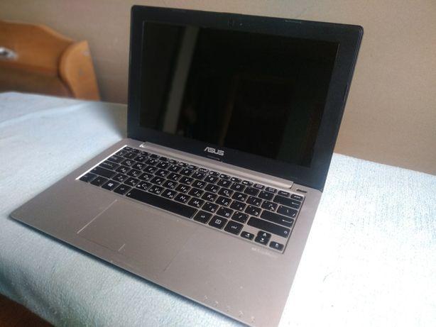 Ноутбук Asus (нетбук)