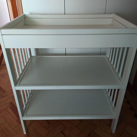 Trocador/muda fraldas IKEA e acessórios
