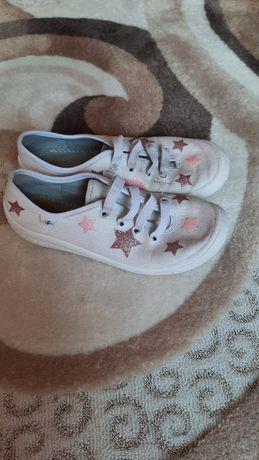 Взуття , кеди 32 розмір