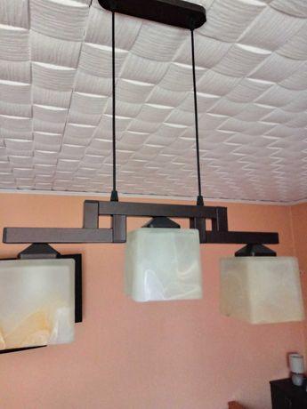 Lampa sufitowa na 3 żarówki.