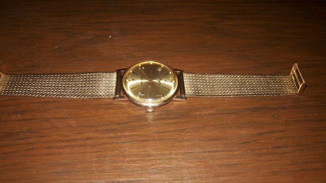 Часы золотые ЛУЧ- ультратонкие