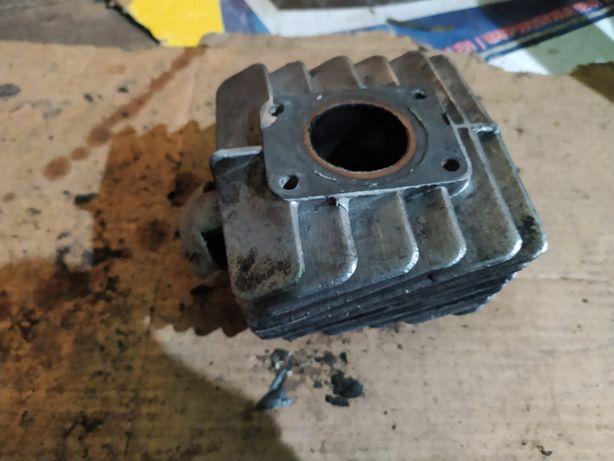 Cylinder motorynka oryginał z tłokiem