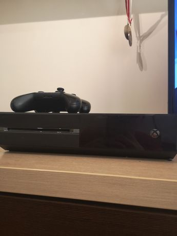 Xbox One S 2 pady i FIFA 21 FARCRY 5