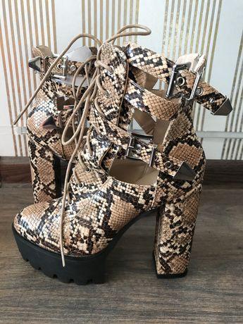 SIMMI London nowe modne buty damskie r. 38 sexi wysokie