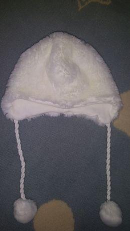 Czapka zimowa biała futrzana 68