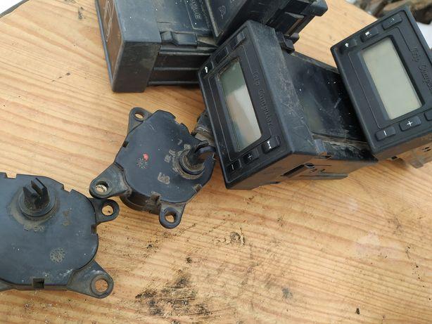 Моторчик заслонки печки ваз 2110-11-12.