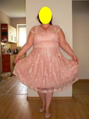 Różowa koronkowa sukienka rozm. 46