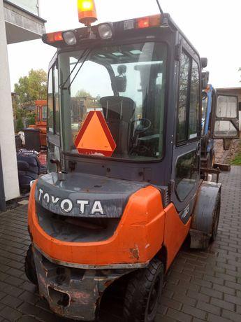 Wózek widłowy Toyota FD20 kabina 4 sekcje Sas diesel 6100mtg