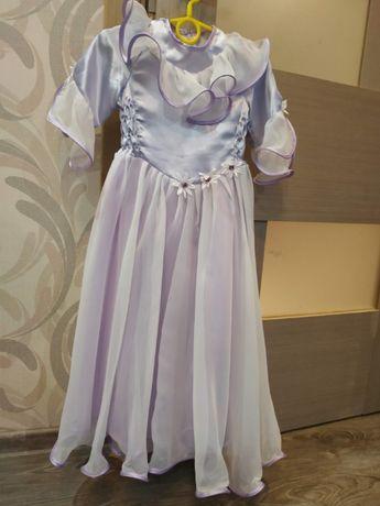 Нарядное платье, размер 4-5 лет