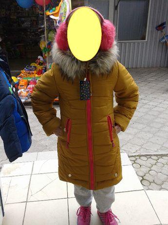 Красивая зимняя куртка на девочку 7-11 лет