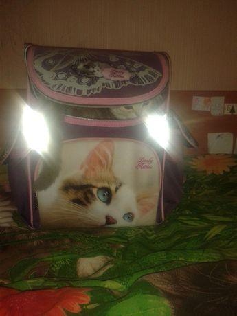 Красивый каркасный рюкзак для девочки. 1-3 класс Class школьный