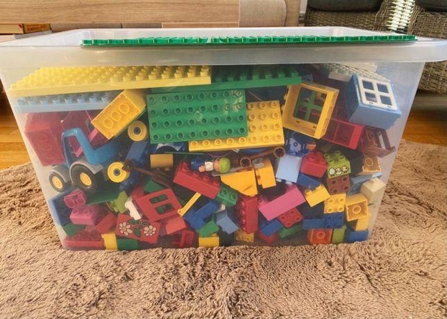Olbrzymie pudło Lego Duplo, zestawy- 737 elementow (8,5kg)!
