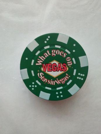 Зажигалка в виде игральной фишки из казино Vegas