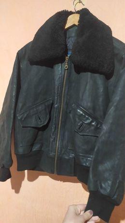 Мужская фирменная черная кожаная куртка Dommer Италия