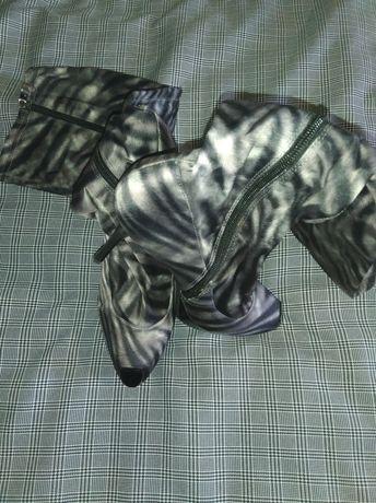Модные легкие сапоги-чулки
