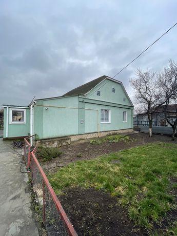 Продажа капитального дома в центре села с удобствами. Без комиссии.