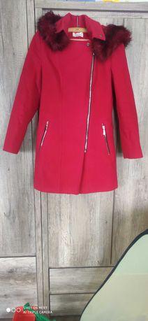 Czerwony płaszcz Mattire