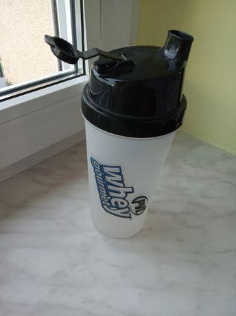 shaker do suplementów kulturystyka bidon na siłownię odżywki suplement