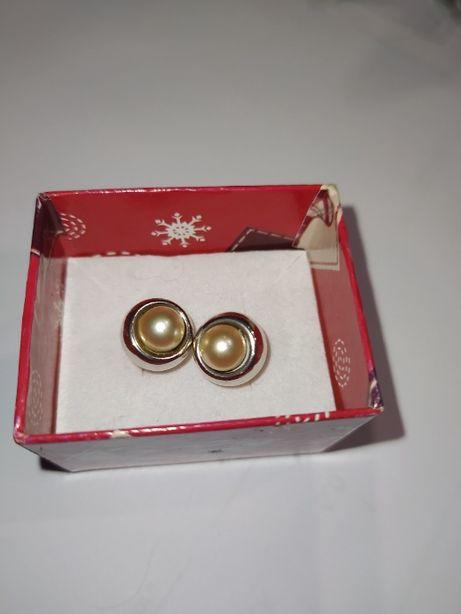 kolczyki sztyft z perłą srebro pr 0,925