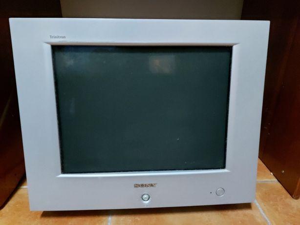 "Monitor Sony 17"" FD Tinitron CRT"
