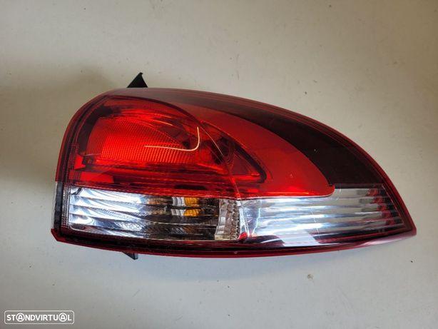 Farolim direito Renault Clio IV 4 ST Carrinha 265507408R