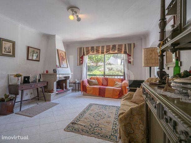 Apartamento T2 para venda localizado no Monte Estoril, pe...