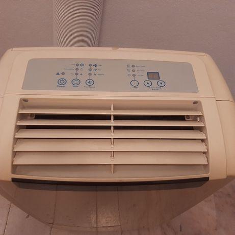 Ar condicionado praticamente novo