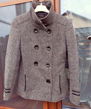Krótki płaszcz damski rozmiar M