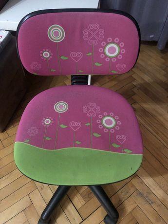 Fotel obrotowy dla dziewczynki