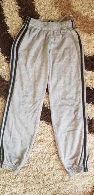 Spodnie dresowe Adidas rozmiar 140
